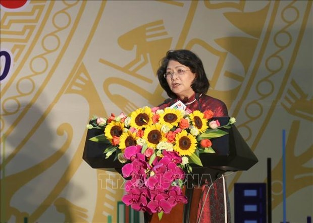 La vice-presidente Dang Thi Ngoc Thinh encourage les mouvements d'emulation a Lang Son hinh anh 1