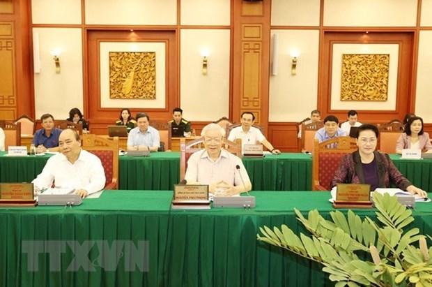 Le leader Nguyen Phu Trong demande de bien preparer le 11e Congres du Parti de l'armee hinh anh 1
