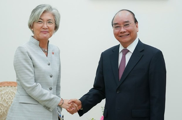 Le PM recoit la ministre des Affaires etrangeres de la Republique de Coree hinh anh 1