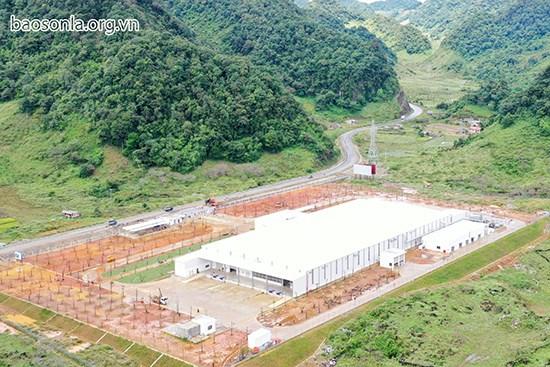 Entree en activite de l'usine de traitement de fruits frais de Van Ho hinh anh 1