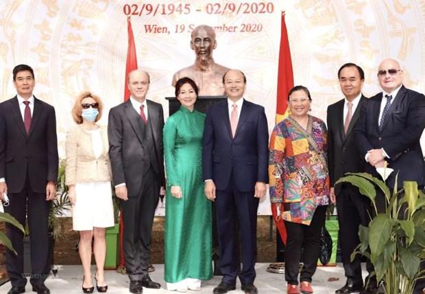 Un responsable autrichien est impressionne par le developpement du Vietnam hinh anh 1