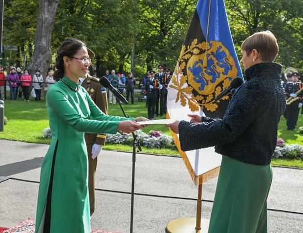 La presidente estonienne croit a une amitie renforcee avec le Vietnam hinh anh 1