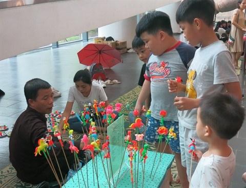 Les artisans a l'honneur au Musee d'ethnographie du Vietnam hinh anh 2