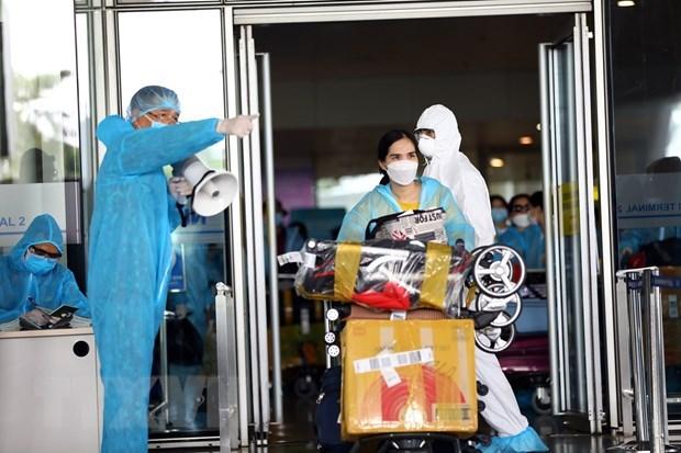 COVID-19 : Le pays detecte trois nouveaux cas importes hinh anh 1