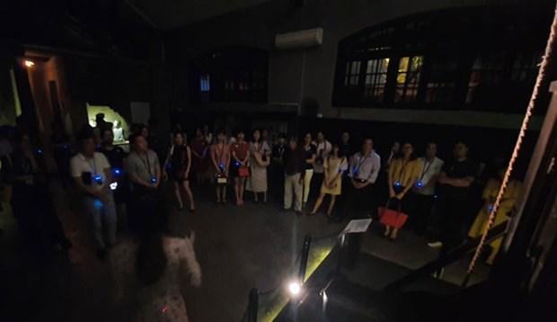 Visite nocturne impressionnante de la Maison centrale de Hoa Lo hinh anh 2