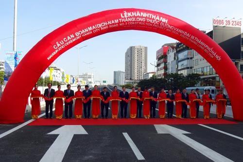Inauguration d'un viaduc du peripherique N°3 de Hanoi hinh anh 1