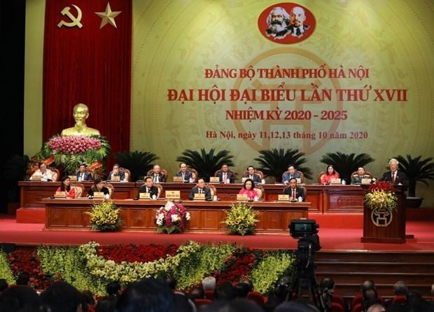 Le leader demande d'œuvrer au developpement rapide et durable de Hanoi hinh anh 1