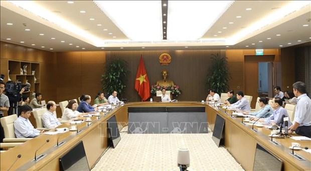 COVID-19: le vice-PM ordonne une gestion etroite des personnes venant de l'etranger hinh anh 1