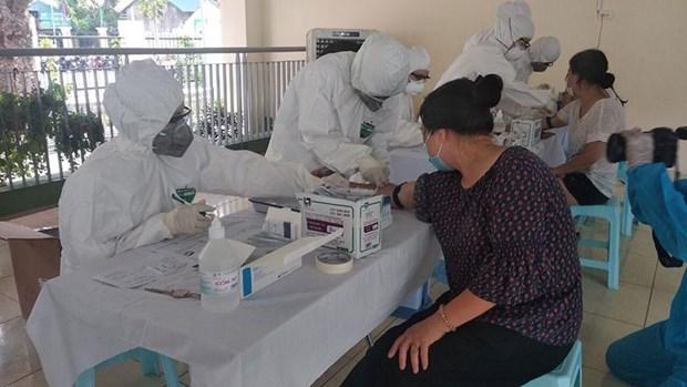 COVID-19 : tous les entrants au Vietnam doivent etre testes trois fois hinh anh 1