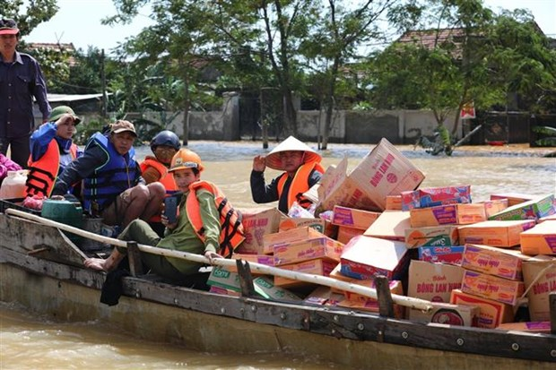 Les crues et inondations ont fait 138 morts et disparus hinh anh 1