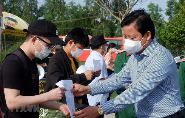 Covid-19 : le Vietnam recense 12 nouveaux cas, aucune transmission locale hinh anh 1