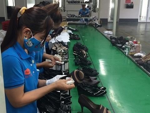 Le secteur de la chaussure et du cuir retrouve des couleurs hinh anh 1