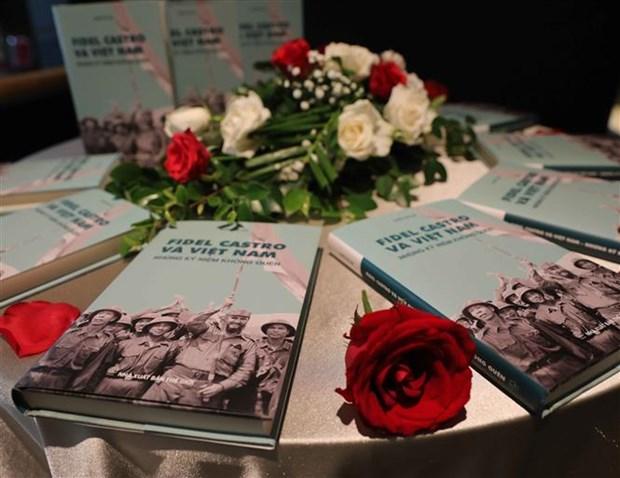 Presentation d'un livre sur Fidel Castro et le Vietnam hinh anh 1