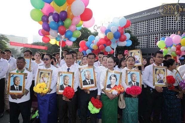 Le gouvernement et l'AN du Vietnam adressent des messages de felicitations au Cambodge hinh anh 1