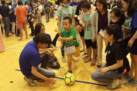 Plus de 350 enfants autistes au Festival du sport hinh anh 1