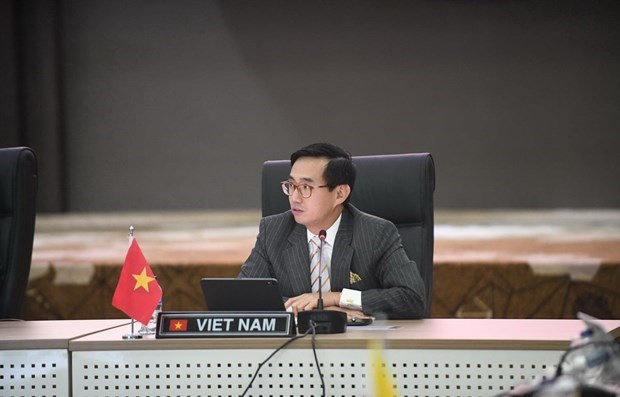 Les documents du 37e Sommet de l'ASEAN servent la cooperation et la reprise hinh anh 1