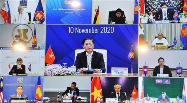 Le Conseil de l'AEC examine la mise en œuvre des initiatives du Vietnam hinh anh 1