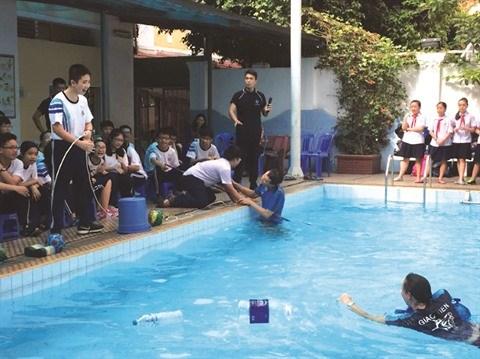 Les enfants sont prepares a reagir aux catastrophes naturelles a l'ecole hinh anh 2