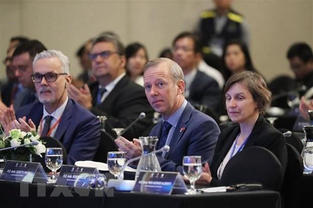 Les experts discutent des solutions pour la paix et la cooperation en Mer Orientale hinh anh 1