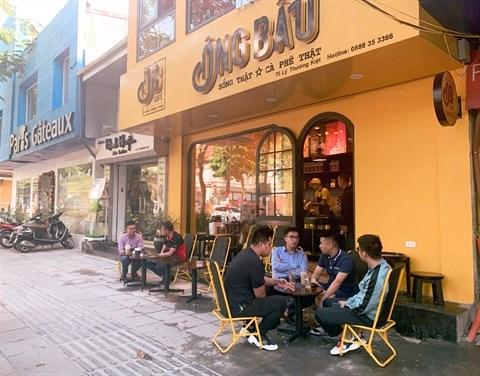 Les cafes de rue, trait culturel tres hanoien hinh anh 1