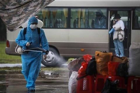 Corovavirus : le Vietnam recense 12 nouveaux cas, aucune transmission locale hinh anh 1