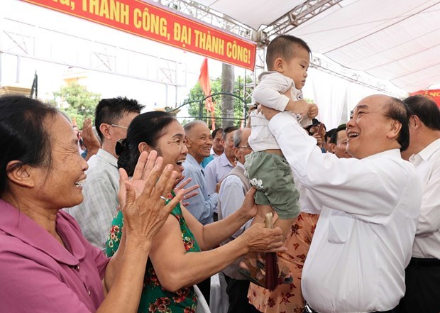 Le PM participe a la fete de grande solidarite nationale a Hai Duong hinh anh 1