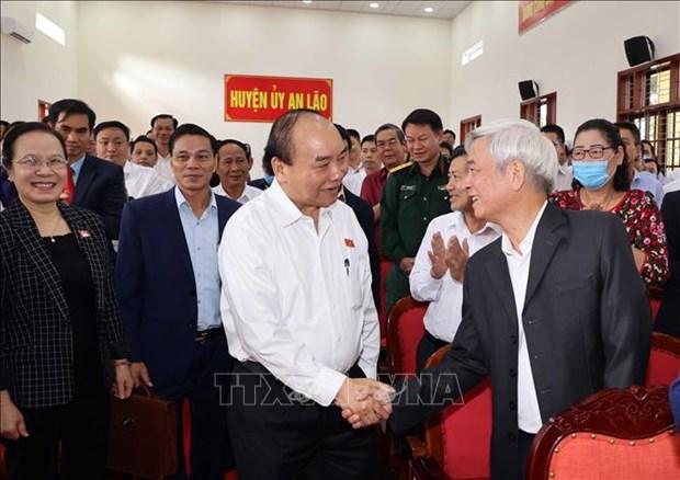 Le PM Nguyen Xuan Phuc rencontre l'electorat de Hai Phong hinh anh 1