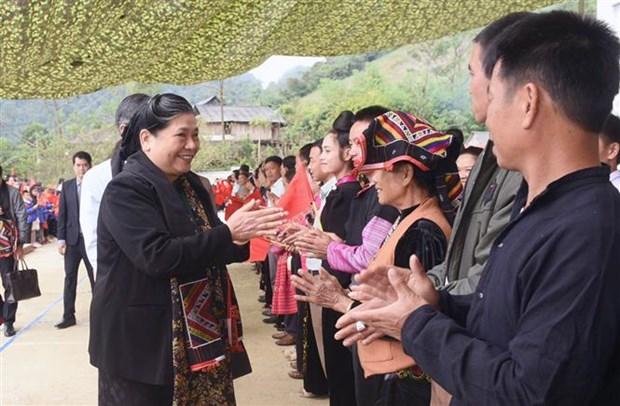 Des dirigeants du Parti et de l'Assemblee nationale rencontrent des electeurs hinh anh 1