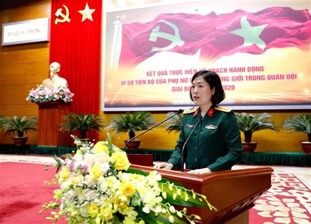 Le Vietnam compte davantage de femmes officiers dans l'armee hinh anh 1