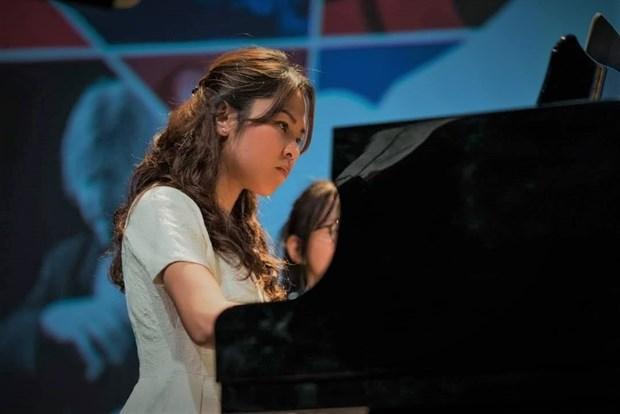 Voyage dans le monde symphonique avec la pianiste Luong To Nhu hinh anh 1