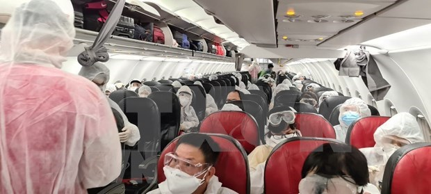 COVID-19 : rapatriement de pres de 240 citoyens vietnamiens des Philippines hinh anh 1