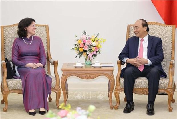 Le PM Nguyen Xuan Phuc recoit l'ambassadrice cubaine hinh anh 1