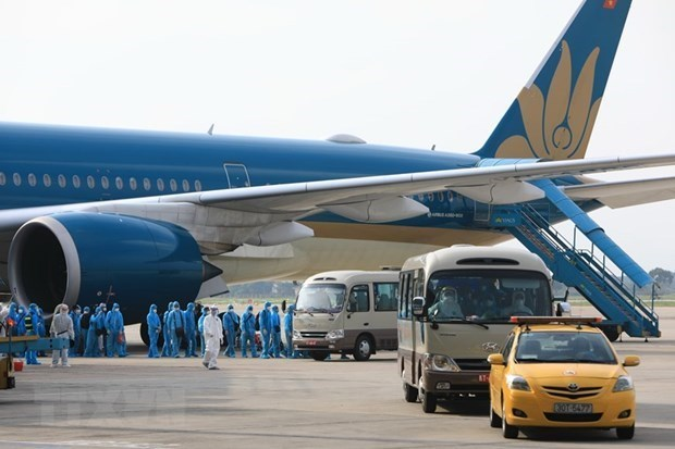 Les vols internationaux seront suspendus pour violation de la prevention du Covid-19 hinh anh 1