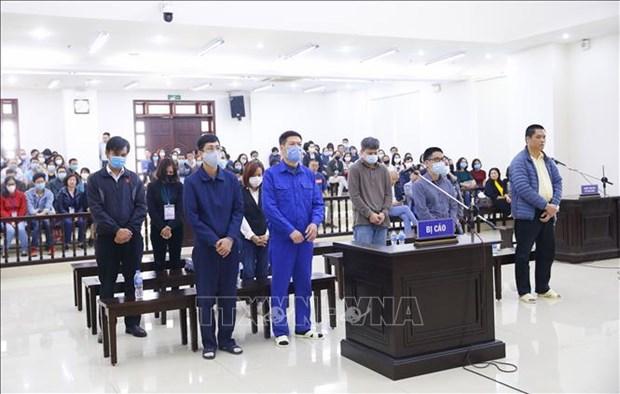 L'ancien directeur du CDC Hanoi condamne a 10 ans de prison hinh anh 1
