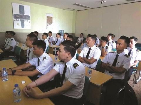 Le reve encore loin de la formation des pilotes vietnamiens hinh anh 2