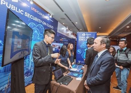 Internet au Vietnam: quand l'acces a l'information est garanti a tous hinh anh 1