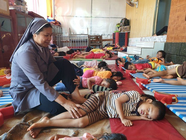 Sœur Nguyen Thi Kim Chi, la protectrice des orphelins a Pleiku hinh anh 1