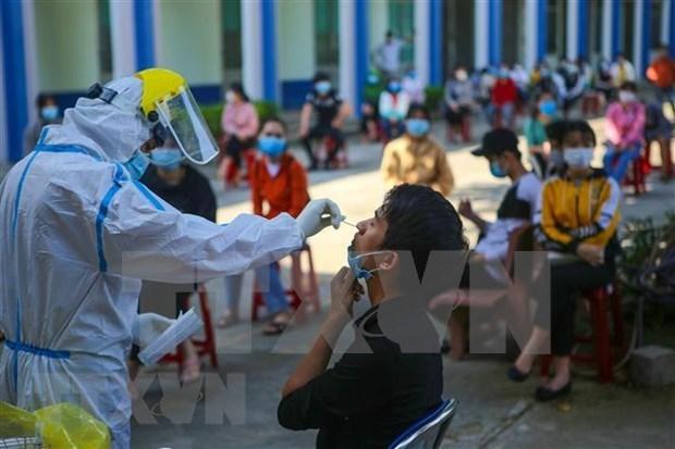 COVID-19: Le PM demande un suivi rapide des personnes en contact avec le 1.440e patient hinh anh 1