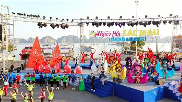 Le premier Carnaval d'hiver a Quang Ninh hinh anh 1