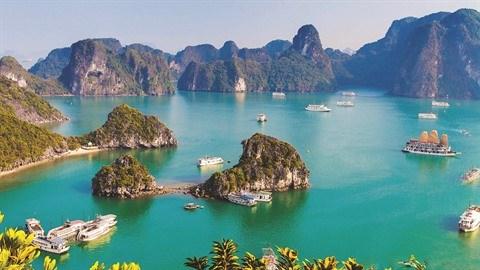 Quang Ninh accueille plus de 140.000 touristes en deux premiers jours de 2021 hinh anh 1