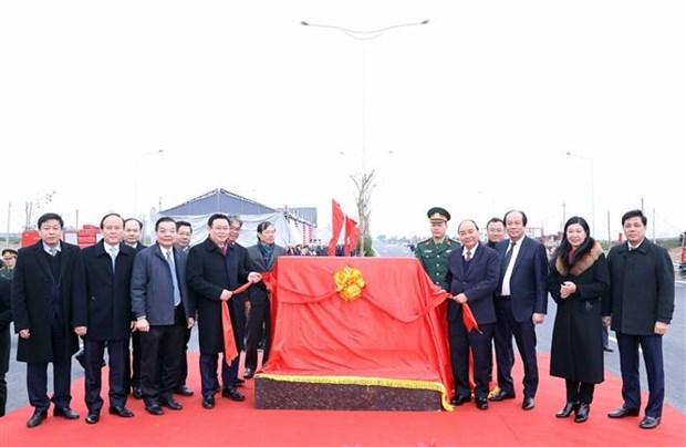 L'echangeur reliant le peripherique n°3 a l'autoroute Hanoi-Hai Phong inaugure hinh anh 1