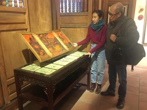 Les jeunes artistes peintres se passionnent pour les estampes de Hang Trong hinh anh 1