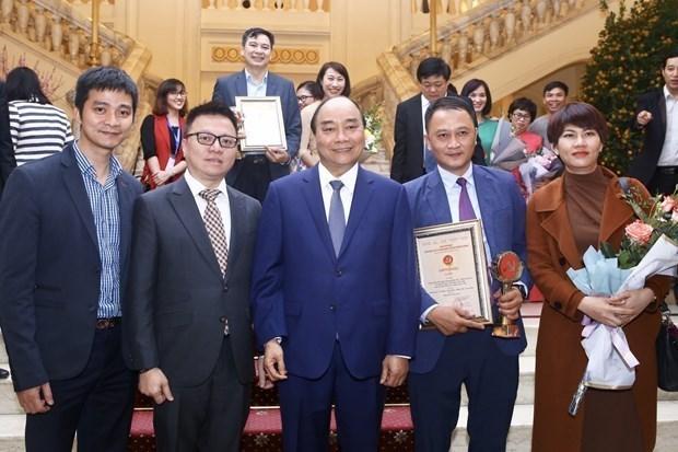 Prix « Marteau et Faucille d'or » 2020 : pour le renforcement de l'edification du Parti hinh anh 1
