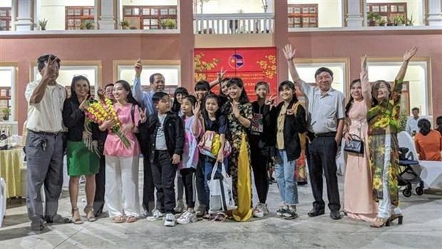 Les Vietnamiens residant au Cambodge attendent avec impatience le 13e Congres national du Parti hinh anh 1