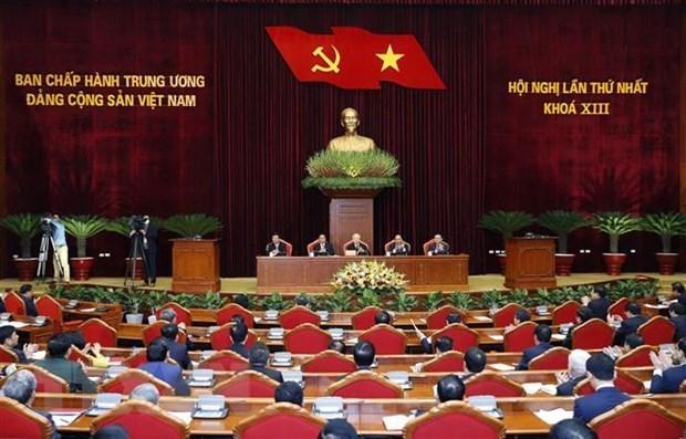 Des journalistes etrangers apprecient des realisations du Vietnam hinh anh 1