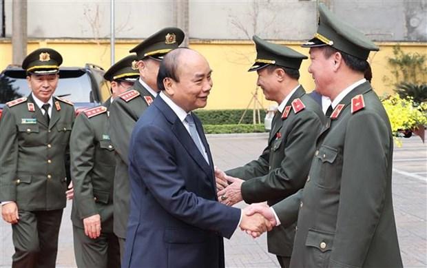 Le PM inspecte l'etat de preparation au combat des forces de police hinh anh 3