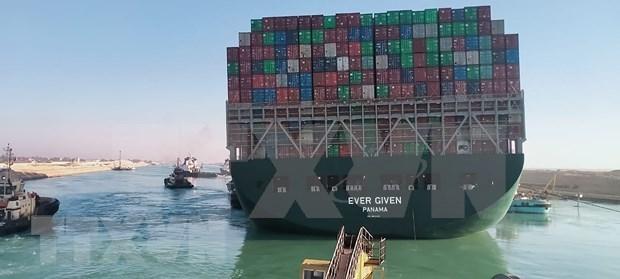 Les exportateurs vietnamiens mis en garde contre les impacts du blocage dans le canal de Suez hinh anh 1