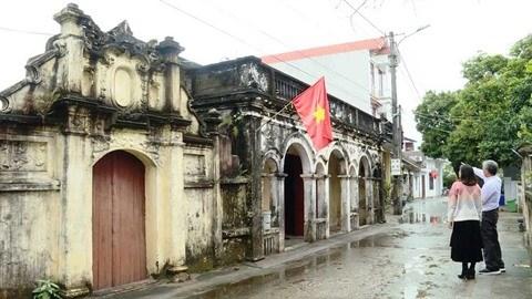 De jolies maisons vieillissent avec grace a Mong Cai hinh anh 2