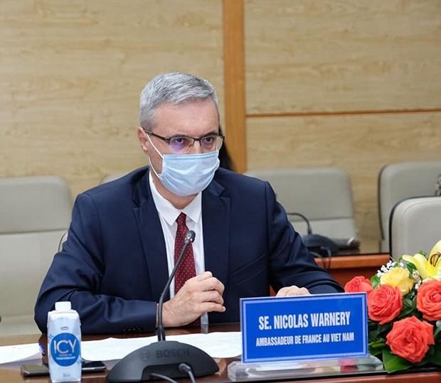 Le ministere de la Sante travaille avec des ambassadeurs sur les vaccins contre le COVID-19 hinh anh 3
