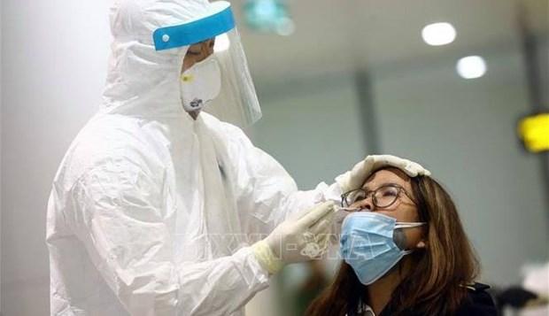 Covid-19 : Des tests aleatoires pour 1.000 personnes a l'aeroport de Noi Bai hinh anh 1